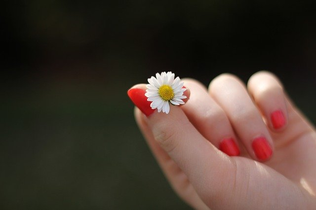 olejowanie paznokci efekty